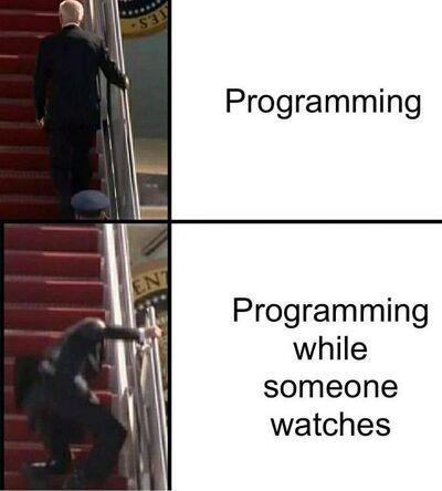 Meme de te miran y no te miran